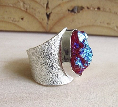 pink-druzy-with-titanium-coating-and-silver-hammered-adjustable-band-statement-ring-from-enhara-jewe