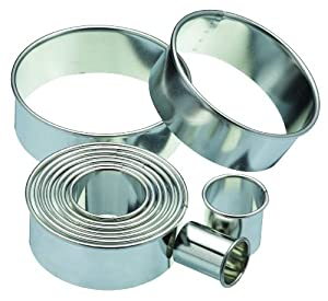 Kitchen Craft 11-Round Plain Pastry Cutters With Metal Storage Tin