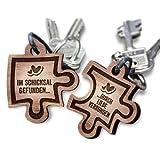 Puzzle Anhänger 2er Set Echtholz Schlüsselanhänger aus Nussbaum mit Gravur - Ihr Wunschtext + Symbol - gestalten Sie Ihren gravierten Partneranhänger - tolle Geschenkidee