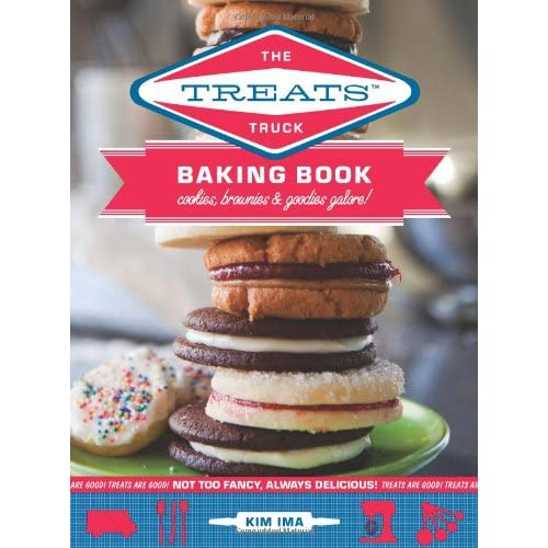 5177XpsyKpL. SS500  The Treats Truck Baking Book Giveaway & Coconut Cupcakes
