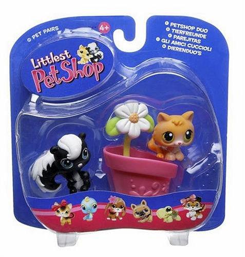 Buy Low Price Hasbro Littlest Pet Shop Pet Pairs Figures Skunk with Kitty (B000EQIE6C)