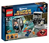 LEGO Super Heroes DC Universe - Superman: Black Zero Escape - 76009 76009 (Free Lois from General Zod's clutches in a Black Zero Escape mission! Sneak Lois into the Black Zero ship's escape pod with opening cockpit and moveable engine boosters... )