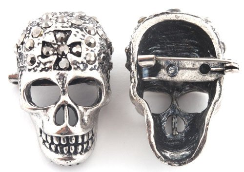 Ladies Gun Metal Iced Out Crossed Skull Brooch & Pin Pendant