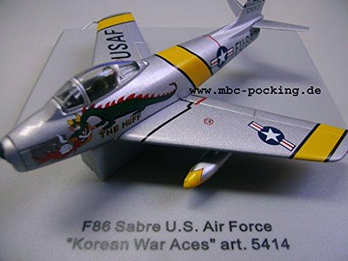 armour-5413-f-86-sabre-usair-force-korean-war-110-0