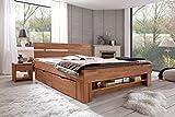 Futonbett-SOFIE-140-x-200-cm-Holz-Bett-aus-Buche-massiv-Kernbuche-gelt-Naturholz-Bett-mit-Bettkasten-auf-Rollen-und-mit-Futeilregal