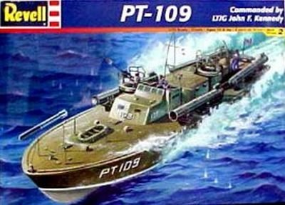 Models - Boats & Submarines Case Pack 9 - 1