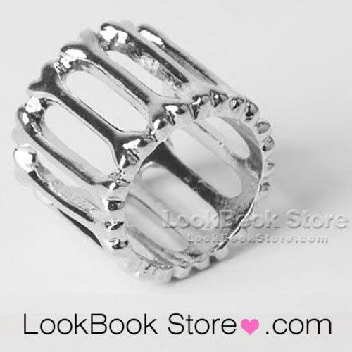Glitter High-shine Silver-tone Lattice Cut-out Wide Cut Smooth Chunky Shank Ring