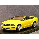 1/18 ストリートシリーズ フォード マスタング GT コンバーチブル '05 (イエロー)