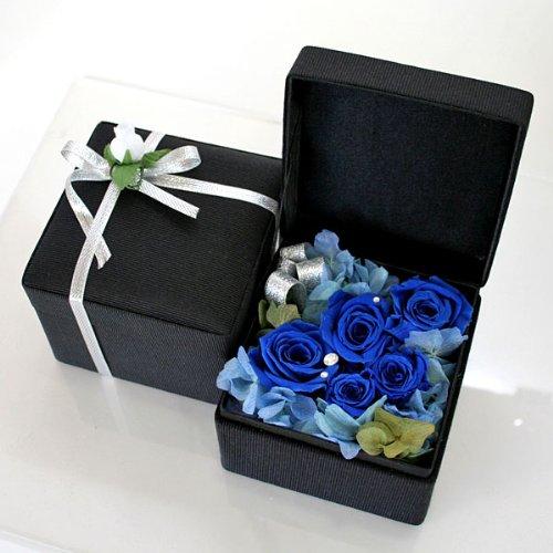 プリザーブドフラワー・バラの宝石箱(ブルー)&ダイヤカット・シルバーネックレス(ティーブラウン)のギフトセット