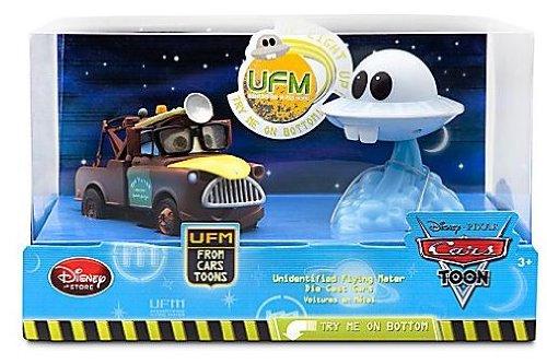 Buy Low Price Mattel Disney / Pixar CARS Movie Exclusive 148 Die Cast 2Pack Unidentified Flying Mater Set Dr Abschlepp Wagen Mater Figures Light Up (B004CU3BIC)
