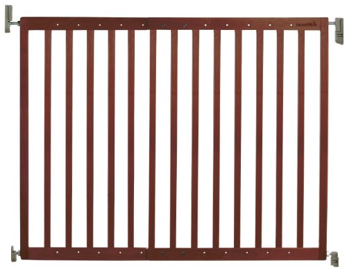 Munchkin Extending Wood Safety Gate, Dark Wood