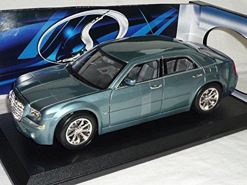 chrysler-300c-300-c-limousine-grau-2004-2011-1-18-maisto-modellauto-modell-auto