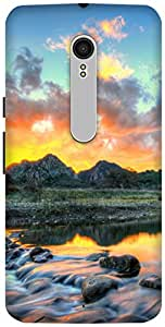The Racoon Lean Mountain River hard plastic printed back case / cover for Motorola Moto X Style