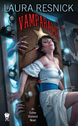 Vamparazzi (Esther Diamond, #4)