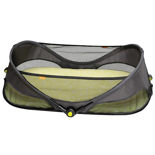 Brica Fold N Go Travel Bassinet front-548954