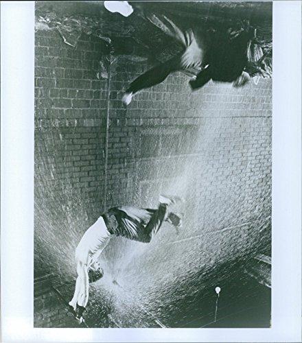 vintage-foto-de-una-escena-de-la-pelicula-rumble-fish-fundicion-por-glenn-withrow-y-matt-dillon