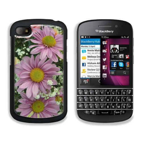 Pink Daisies With Baby'S Breath Blackberry Q10 Sqn100 Snap Cover Premium Aluminium Case Customized Made To Order Support Ready 4 13/16 Inch (123Mm) X 2 6/8 Inch (70Mm) X 4/8 Inch (13Mm) Liil Blackberry Q 10 Professional Blackberry_Q10 Cases Touch Accessor front-747510