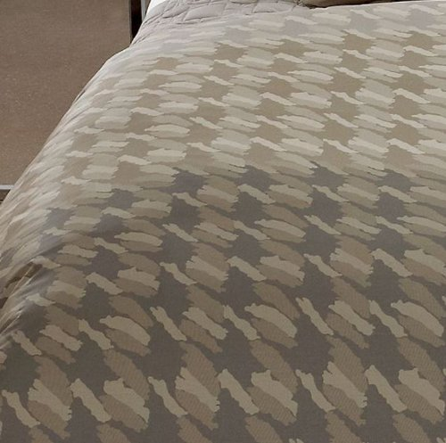 The Hotel Collection Bedding 5054 front