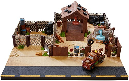 Disney pixar cars mater 39 s towing and salvage playset and for Sarge automobiles garage serus