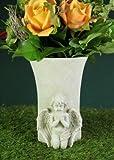 Grabengel mit Blumenavase