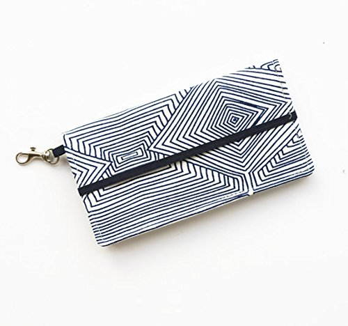 kailo-chic-extra-large-cell-phone-wallet-navy-white-print