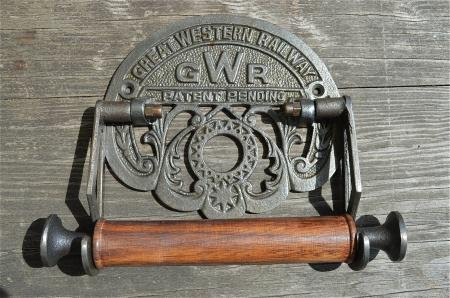 beautiful-replica-cast-iron-great-western-railway-toilet-roll-holder-gwr-train