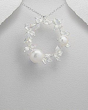 Glee Jewellery Pure Silver & Anti-Tarnish Plated Silver Leaf Pendant Decorated with Fresh Water Pearls
