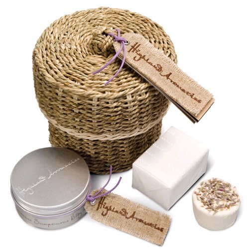 Highland Aromatics Coorie-in Basket - Pampering Gifts
