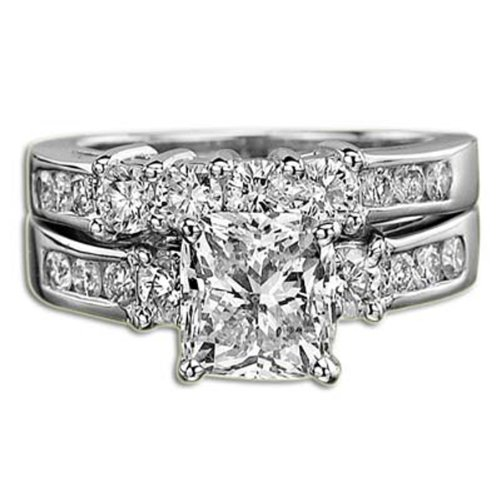 CUSHION CUT 2.72 CT D VS1 DIAMOND ENGAGEMENT RING SET