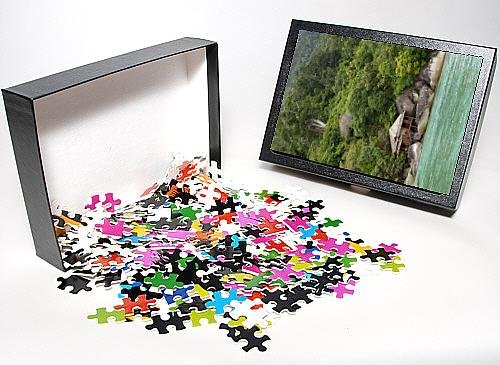 Photo Jigsaw Puzzle Of Rainforest And A Wooden Cabin Of The Bagus Place Retreat - A Small front-918547