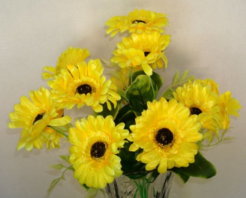12 Yellow Daisy Artificial Silk Flowers Bouquet