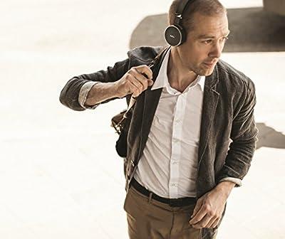 AKG N60nc Noise Canceling Sealed Headphone