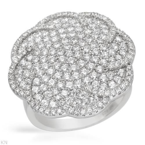 Sterling Silver 6.5 CTW Cubic Zirconia Ladies Ring. Ring Size 7. Total Item weight 7.4 g.