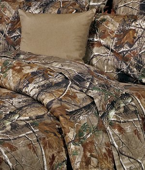 Realtree all purpose camouflage 8 pc queen comforter set for Matching bedroom and bathroom sets