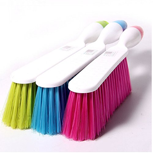 ASSIS Soft Bristle Bed Sheets Cleaning Brush Antiskid Handle Clothes Dust Hair Cleaning Brush (Color Random) (Hair Brush Sheet compare prices)