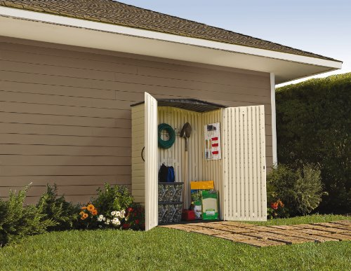 Rubbermaid Roughneck Plastic Small Outdoor Storage Shed, 53-Cubic Feet