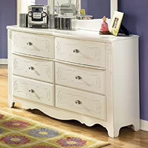 Exquisite Youth Dresser in White Finish by Famous Brand Furniture