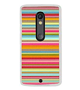 Multicolour Layer Pattern 2D Hard Polycarbonate Designer Back Case Cover for Motorola Moto X Play