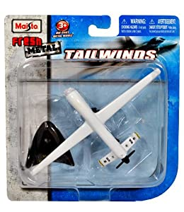 """Maisto Fresh Metal Tailwinds 1:97 Scale Die Cast United States Military Aircraft - US Air Force Medium Altitude, Long Endurance, Unmanned Aerial Vehicle (UAV) RQ-1 Predator with Display Stand (Dimension: 6"""" x 3-1/2"""" x 1"""")"""