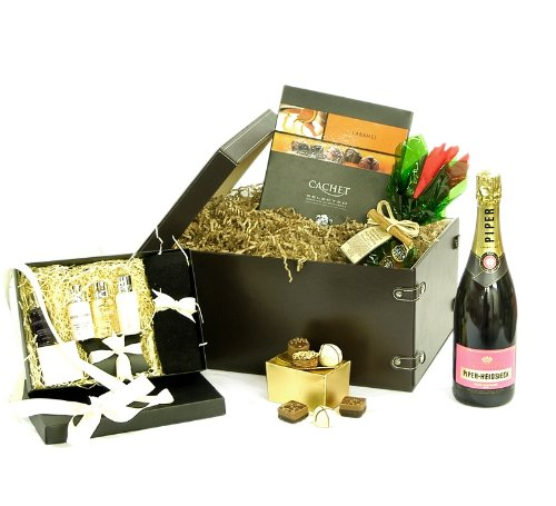 Molton Brown Ladies Faux Leather Luxury Gift Hamper with Rose Champagne