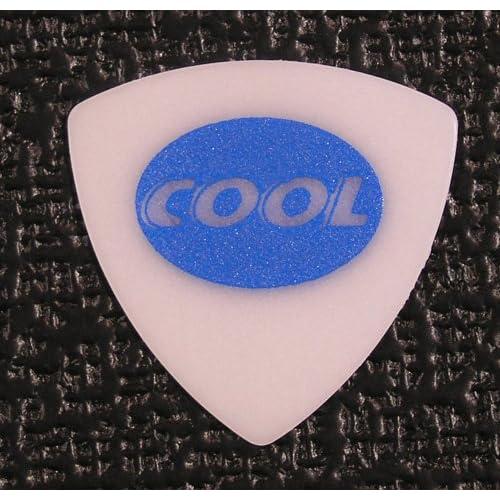 cool picks juratex triangle guitar pick 8 picks thin. Black Bedroom Furniture Sets. Home Design Ideas
