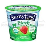 Stonyfield Farm Organic Low Fat Strawberry Blends Yogurt, 6 Ounce -- 12 per case. by N/A [並行輸入品]