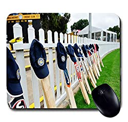 Awwsme Indian Players Bat With Their Caps Mousepad