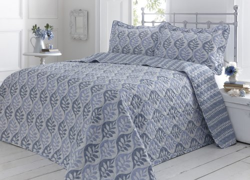 BLUE / WHITE KING SIZE THROW SET WITH PILLOW SHAMS