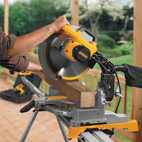 DEWALT DW715 15-Amp 12-Inch Single-Bevel Compound