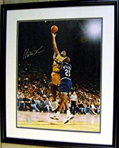 Magic Johnson autographed 16x20 photo (Los Angeles Lakers) framed & matted