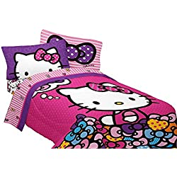 "SANRIO 72 x 86"" Hello Kitty What's Not to Love Reversible Microfiber Comforter, Twin/Full"