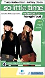 Mary-Kate & Ashley Olsen: So Little Time, Vol. 4 - Hangin' Out (Clamshell Case) [VHS]