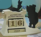 Hallmark Disney Collection DYG9723 Winnie The Pooh Perpetual Calendar