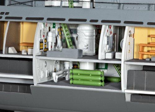модели подводных лодок с интерьером